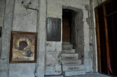 Przeważnie w głównych i ważnych cerkwiach w Gruzji nie można robić zdjęć. Tu mała, boczna cerkiewka.