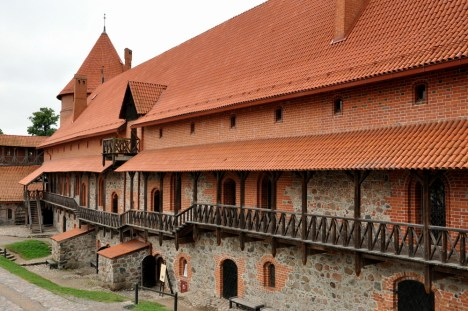 Zamek jest odrestaurowany i w dużej mierze zrekonstruowany. Popadł w ruinę w XVIIw, głównie z powodu zniszczeń podczas wojny z Rosją. Prace konserwatorskie ropoczęli na początku XX w Polacy, po II wojnie światowej - kontynuowali Litwini.