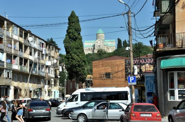 Kutaisi. Drugie pod względem wielkości miasto Gruzji i stolica Imeretii - niegdyś potężnego królestwa, teraz regionu.