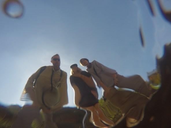 Zamiast pozować przy wodospadzie, testujemy podwodne zdjęcia GoPro.