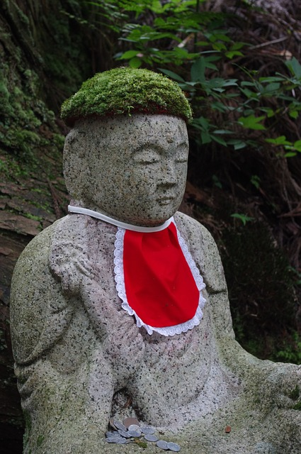 jizo-statue-684409_640