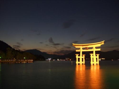 JapanShops_view_miyajima2