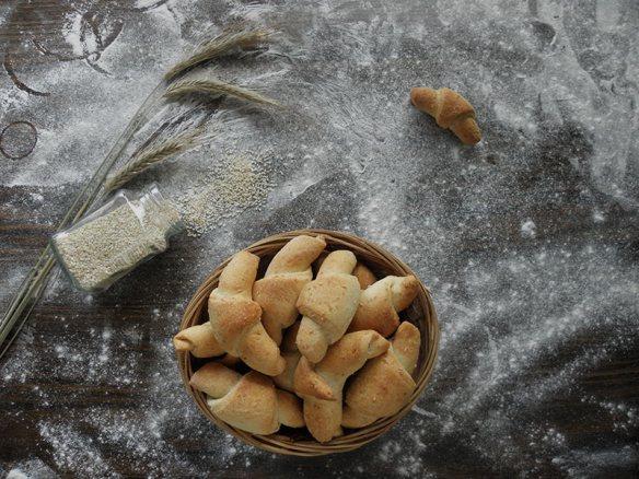 Vegan Crescent Rolls with Sesame Seeds