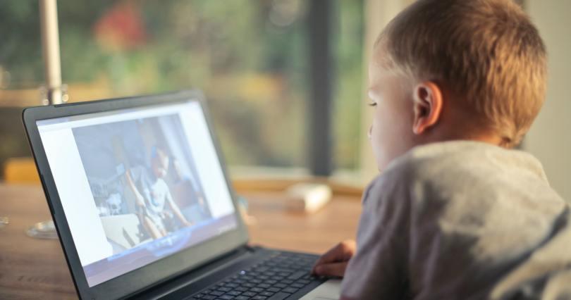 vaikai internetas