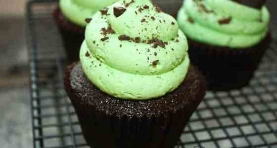 Thin Mint GS Cookie Cupcakes-4