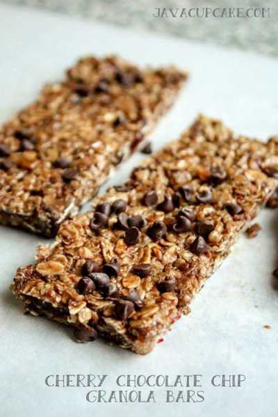 Cherry Chocolate Chip Granola Bars by JavaCupcake.com