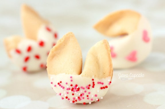White Chocolate Dipped Valentine Fortune Cookies | JavaCupcake.com