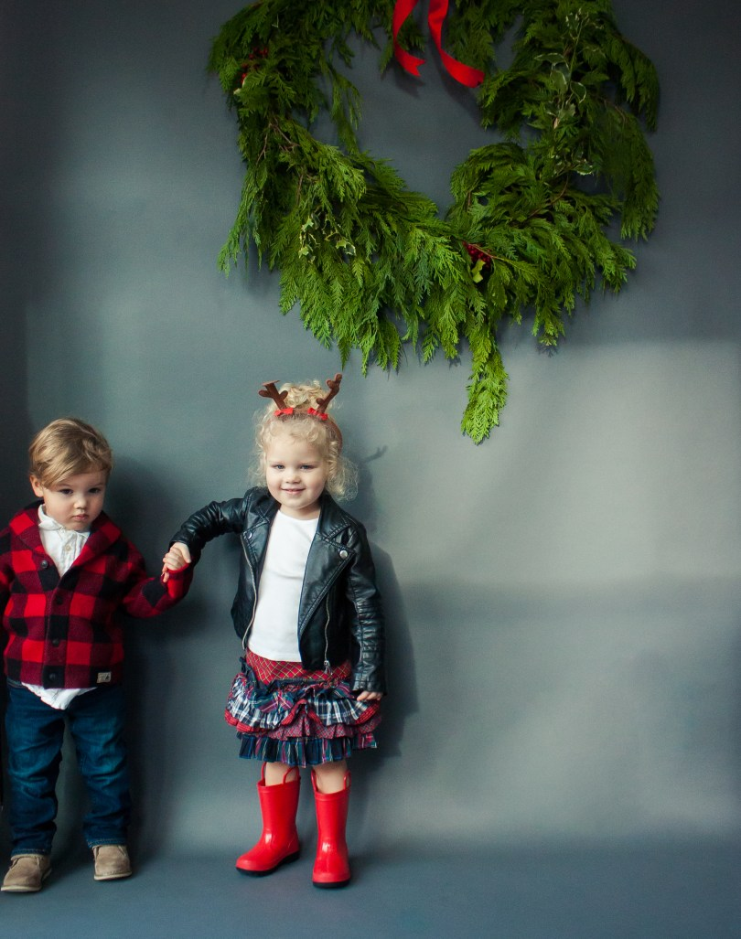 twin toddlers christmas photo shoot