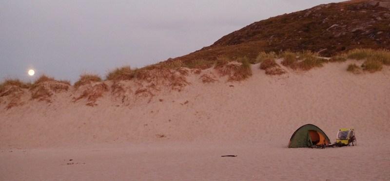i lato się skończyło – biwak na plaży Morza Północnego