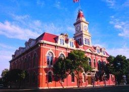 cityhall_exterior_01_400x400