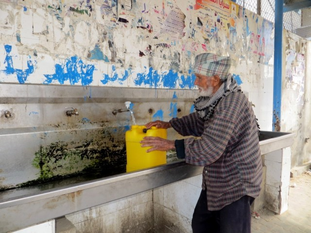Water_supply_in_West_Bank_and_Gaza_February_2014_2water_photoblog