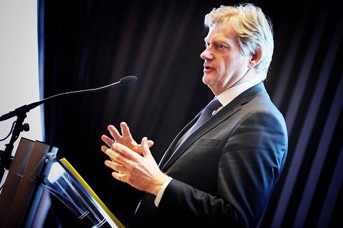 ?!?!: Vader staatssecretaris van Rijn klaagt in krant over slechte zorg