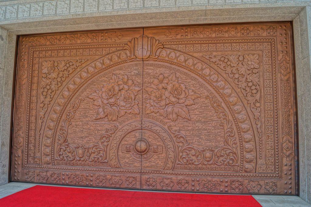 Myohyangsan - drzwi wejściowe