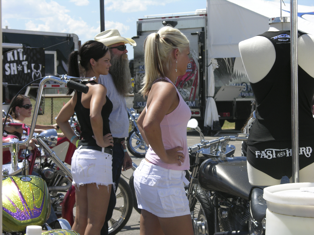 mc_sturgis_people_05