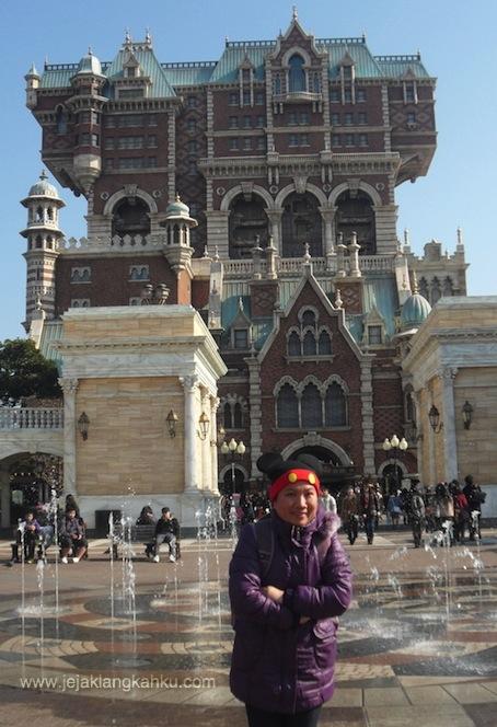 disneyland tokyo japan theme park disneyresort