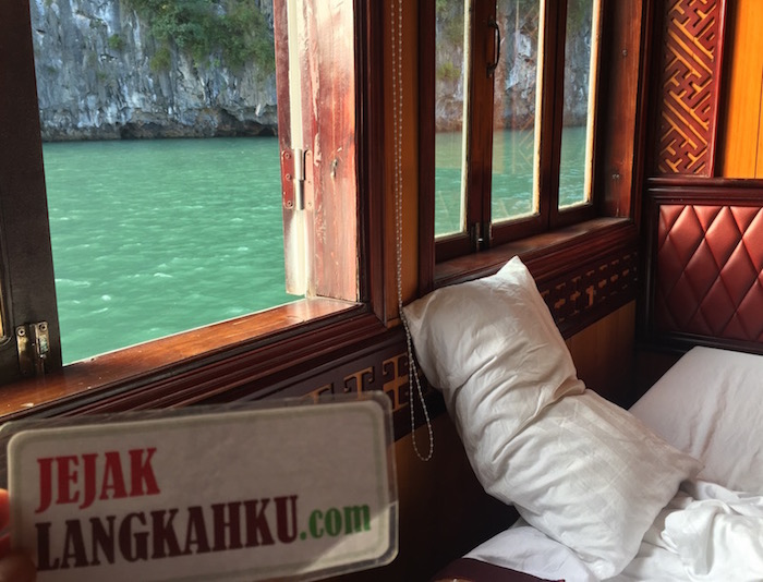 golden-lotus-cruise-halong-bay-vietnam-0