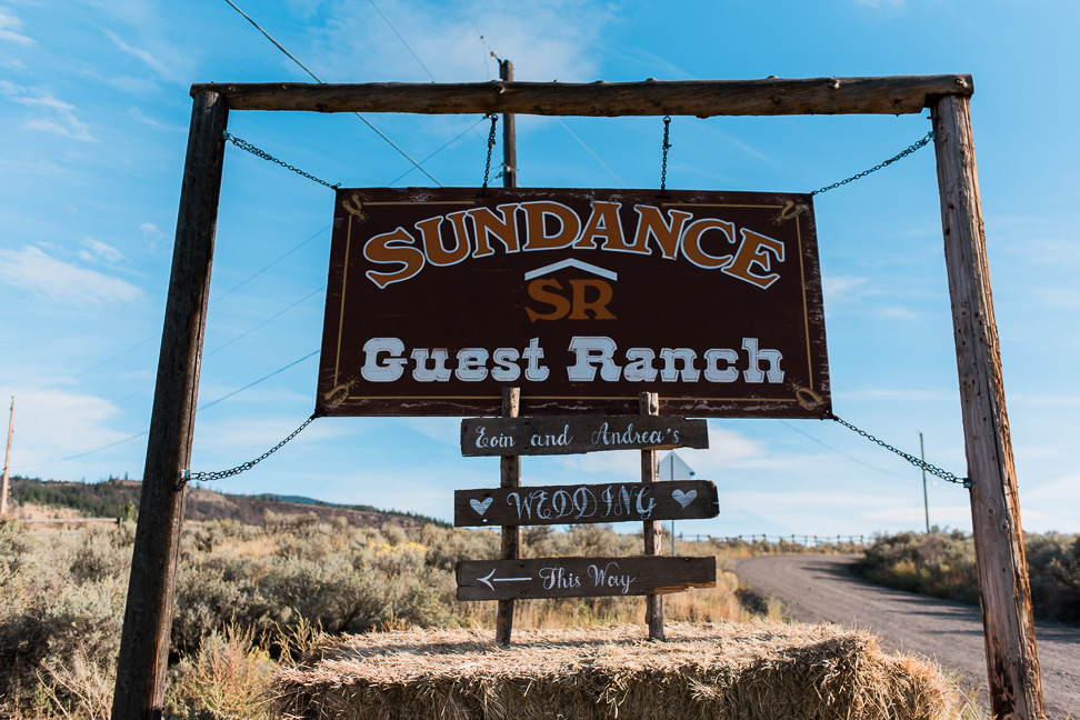 sundance-guestranch-entry-sign