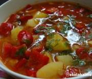 Węgierska zupa gulaszowa w wersji wegańskiej