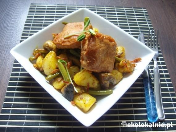 Fasolka z ziemniakami oraz tofu w cieście