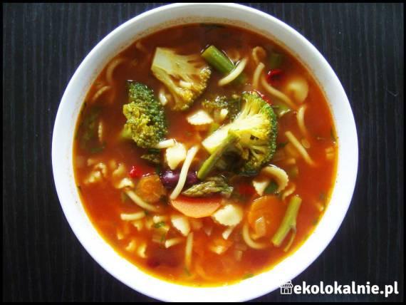 Zupa brokułowo-szparagowa