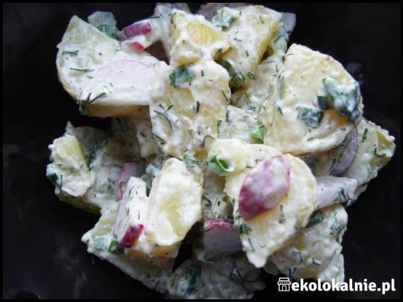 Sałatka z młodych ziemniaków i rzodkiewki