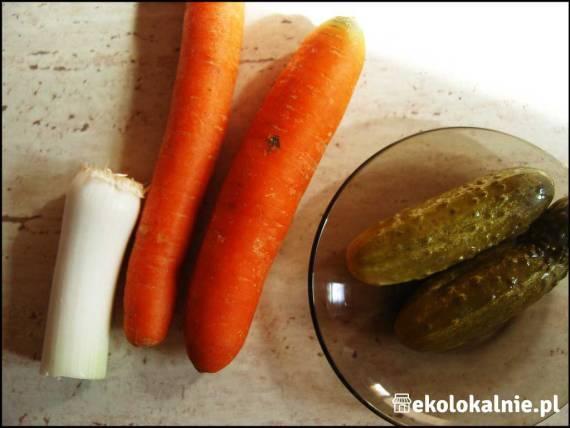 Surówka z marchwi i ogórka