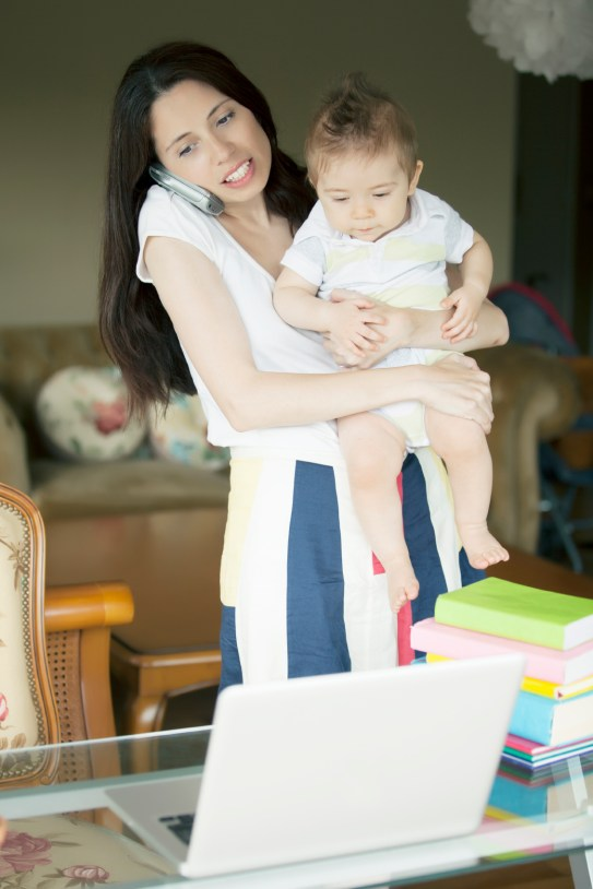 istock_woman_laptop_baby
