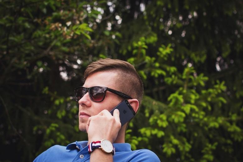 calling-1842212_1280