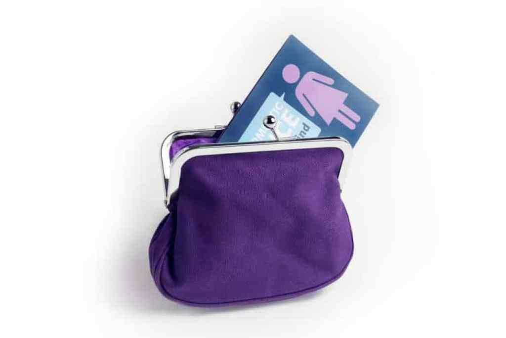 How Can You Help Women Escape Domestic Violence 1024x683 How Can You Help Women Escape Domestic Violence?  #PurplePurse