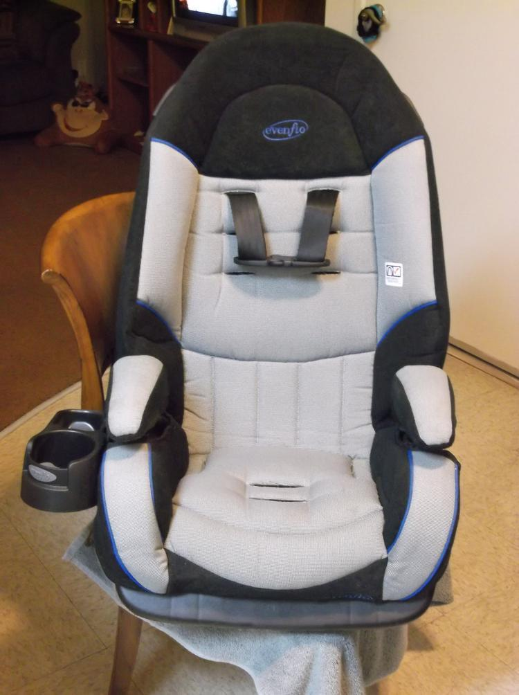 camra pics 008 The Evenflo Platinum Symphony DLX All-In-One Car Seat!! Baby's Got A New Cadillac,