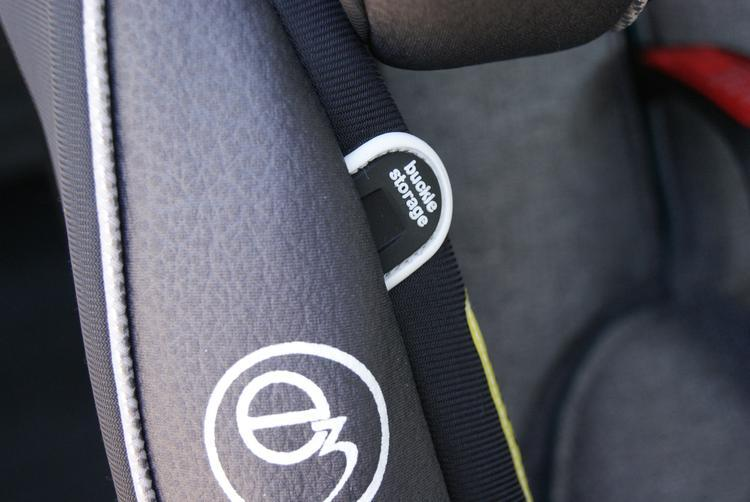 camra pics 033 The Evenflo Platinum Symphony DLX All-In-One Car Seat!! Baby's Got A New Cadillac,