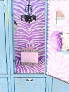 lockerlookz6 225x300 OMG – You've got to get these Locker Lookz products for your daughter.