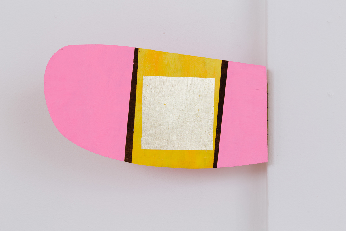 Chuck Nanney - mobile pink flipper cloud lingum, 2014, acrylic and gold leaf on plywood, brass hinge, 5 ½ x 10 ¾ x ¾ inches