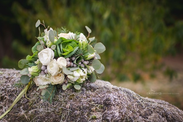 Green & White bouquet by Jen's Blossoms || Photo by r.k. rivera photography