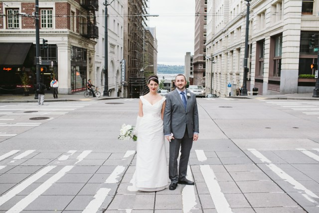 Bride & Groom in Seattle || Flowers, Design & Planning by Jen's Blossoms || Photography by Shelby Brakken Photography