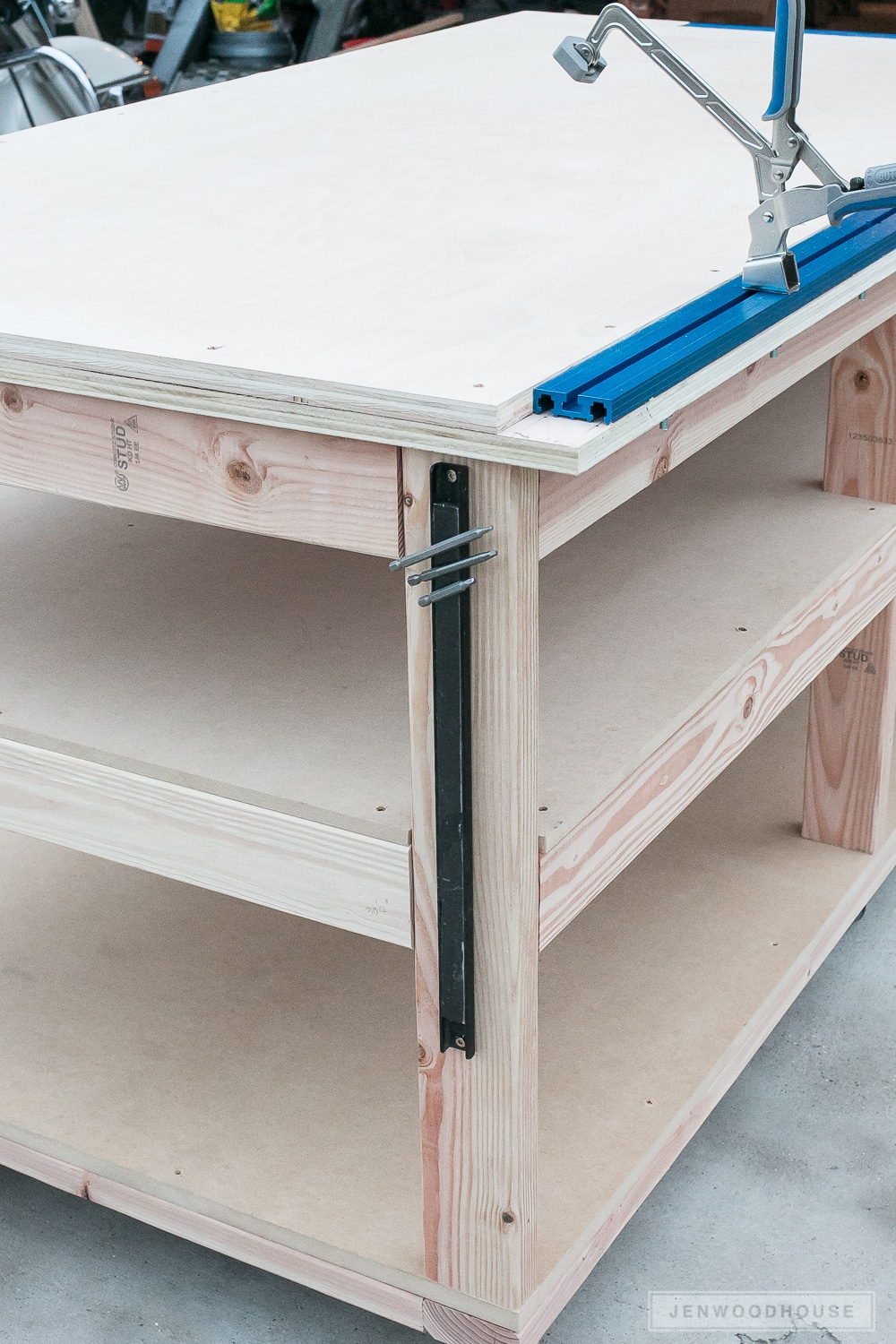 Diy Workbench With Wheels How To Build A Diy Mobile Workbench With Shelves