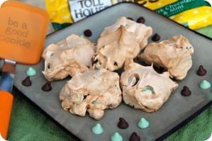 12 Days of Christmas Cookies: Mint & Chocolate Chip Meringues