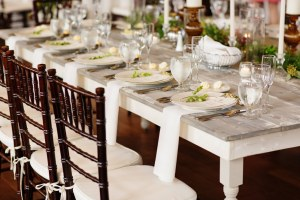 rustic wedding tablescape - Image by: Morgan Matters | http://jessicadum.com/portfolio/meredith-kevin/