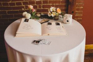 wedding guest book - Image by: Angela Renee Photography | http://jessicadum.com/portfolio/courtney-abe/