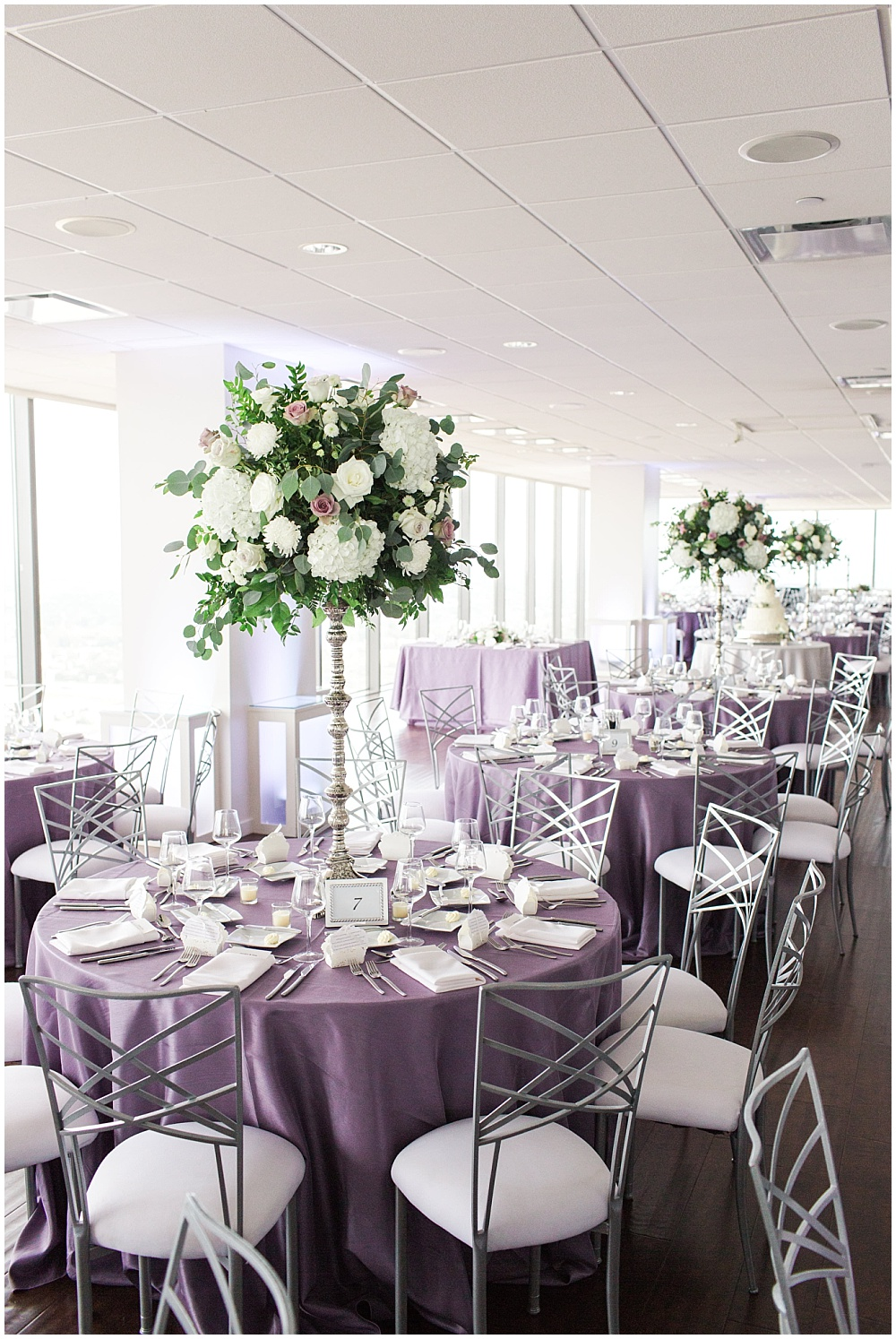 Purple and white wedding reception tablescape | D'Amore Wedding by Ivan & Louise Images & Jessica Dum Wedding Coordination