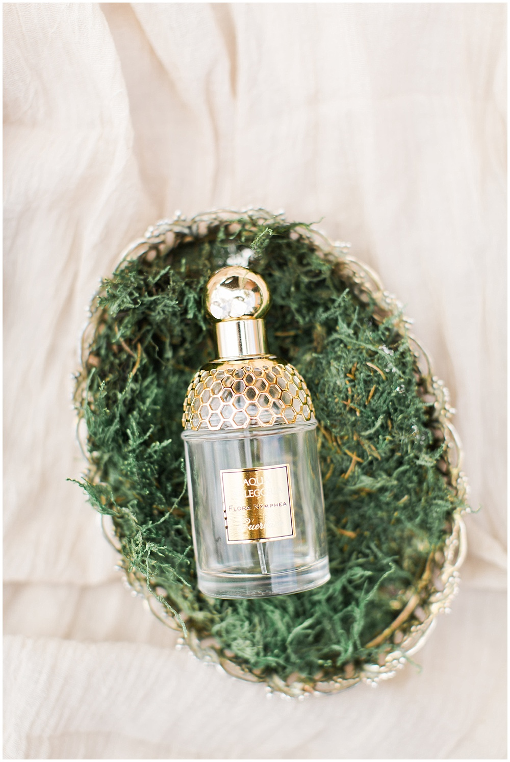 gold perfume bottle, barn in zionsville wedding, ellie + tyler, ivan and louise images, jessica dum wedding coordination