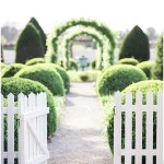 Charming southern ceremony entrance, navy and pink southern wedding | Ivan & Louise Images and Jessica Dum Wedding Coordination