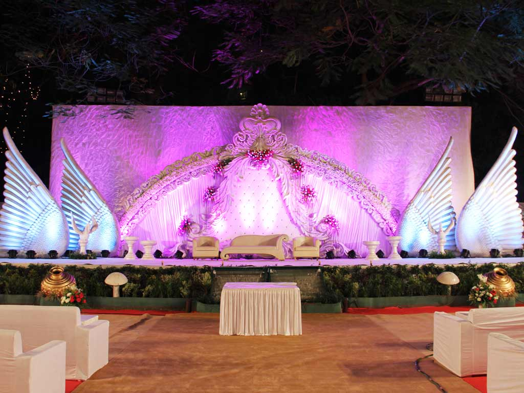 Stage Decoration Wedding Stage Decoration And Lighting At Parsi Gymkhana By