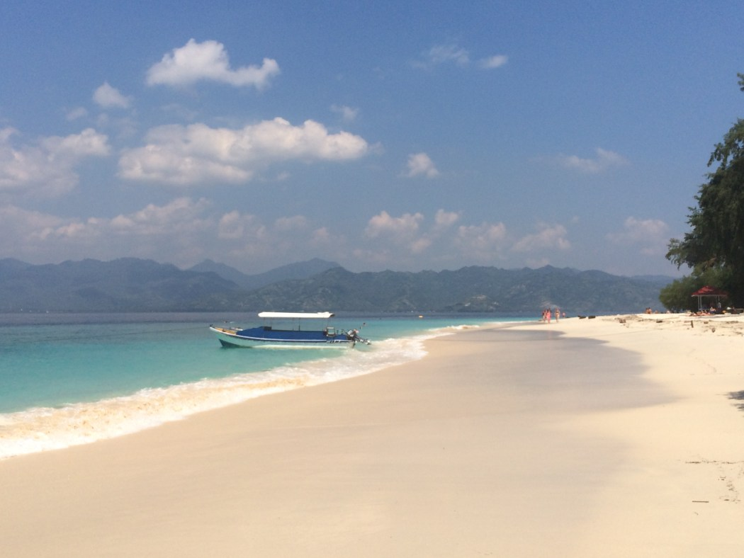 gili Meno beach and boat