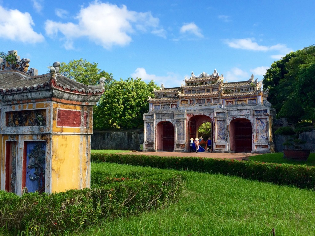 Hue archway gate