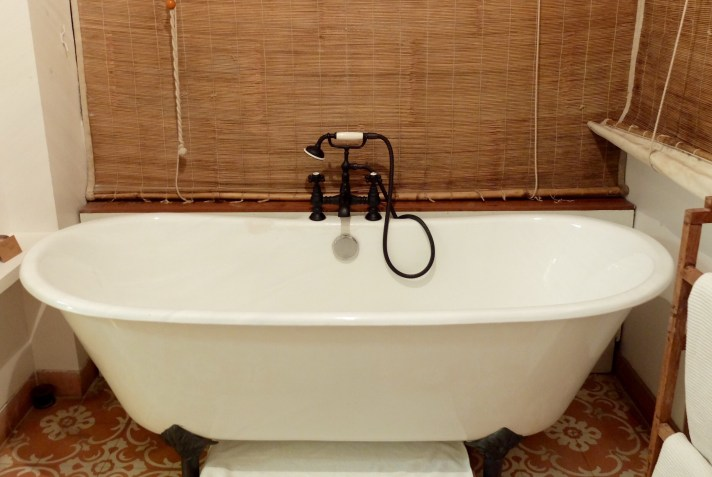 Bombay Abode bath tub
