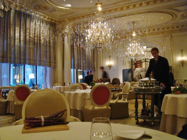 Dining room at Alain Ducasse au Plaza Athénée