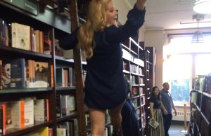 Barnes&Noble indulges Amy Schumer at her book launch, NYC, 8/16/16