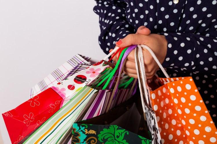 年末年始のセール時期まとめ!服や生活用品を割引で買うためにセール時期を把握しよう!