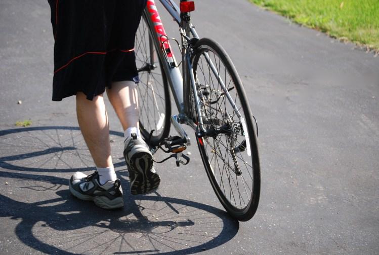ズボンや服についた自転車のチェーンオイルの汚れを落とす方法!